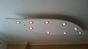 taklampa vit ovalaktigt design